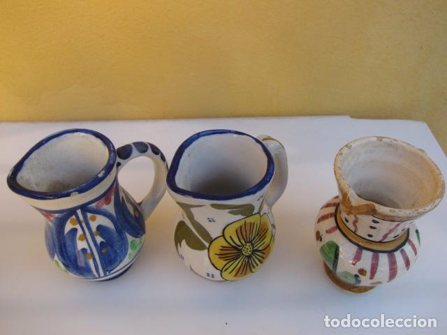 Antigüedades: Colección de 9 antiguas jarritas de cerámica: Talavera, Manises y Teruel - Foto 3 - 103996659