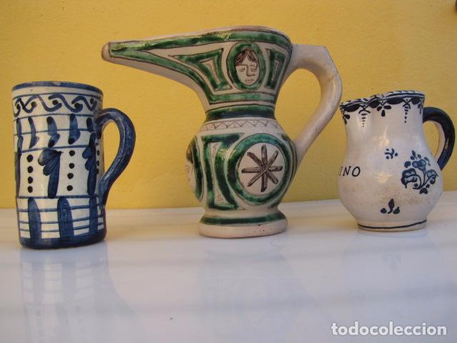 Antigüedades: Colección de 9 antiguas jarritas de cerámica: Talavera, Manises y Teruel - Foto 17 - 103996659