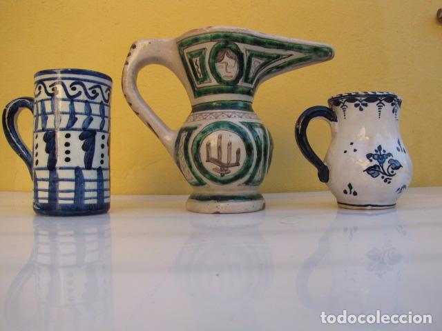 Antigüedades: Colección de 9 antiguas jarritas de cerámica: Talavera, Manises y Teruel - Foto 18 - 103996659