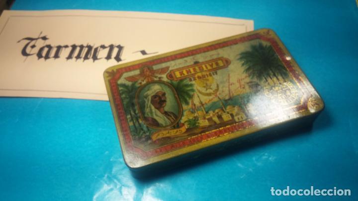 Antigüedades: Bonita caja o cajita antigua de chapa, no sé de qué era - Foto 2 - 103999051