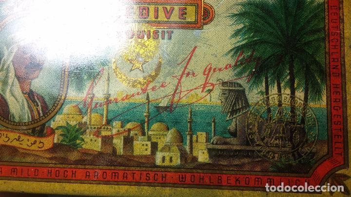 Antigüedades: Bonita caja o cajita antigua de chapa, no sé de qué era - Foto 11 - 103999051