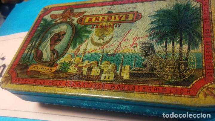Antigüedades: Bonita caja o cajita antigua de chapa, no sé de qué era - Foto 17 - 103999051