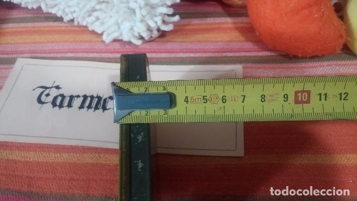 Antigüedades: Bonita caja o cajita antigua de chapa, no sé de qué era - Foto 25 - 103999051