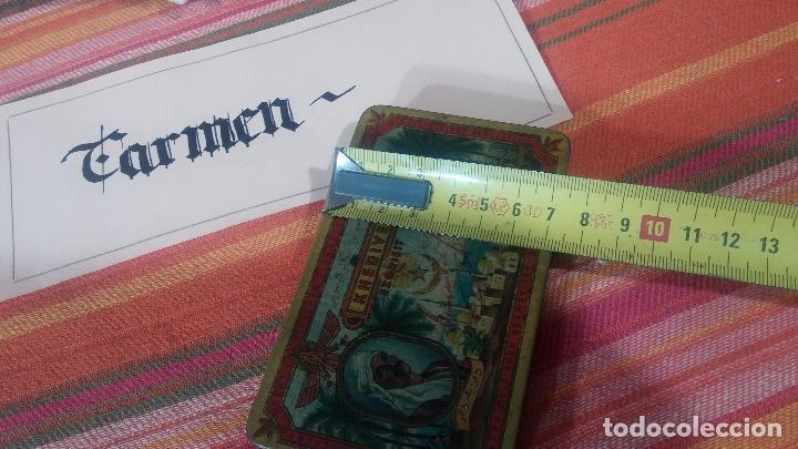 Antigüedades: Bonita caja o cajita antigua de chapa, no sé de qué era - Foto 26 - 103999051