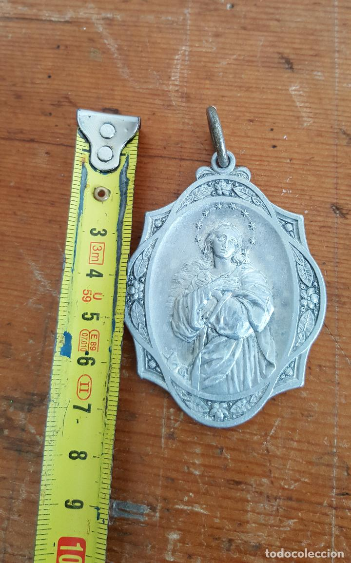 Antigüedades: Lote 14 medallas religiosas antiguas. Diferentes medidas y épocas. TOP!!!! Medallas de colección. - Foto 10 - 104031651
