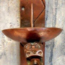 Antigüedades: RARO Y GRAN CANDELABRO DE COBRE – TRABAJADO A MANO – DRAGÓN – APLIQUE PARA VELA – FORJA - MÁS DE 2KG. Lote 104046915