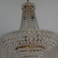Antigüedades: LAMPARA ANTIGUA DE CRISTAL TALLADO CON BRONCE. Lote 104058151
