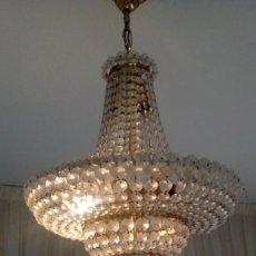 Antigüedades: LAMPARA ANTIGUA DE CRISTAL TALLADO CON BRONCE, MIDE 50 CMS DE ALTURA Y 40 CMS DE ANCHO.. Lote 104058151