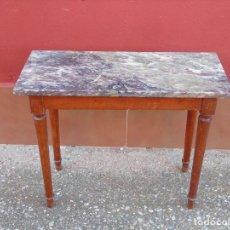 Antigüedades: PEQUEÑA MESA AUXILIAR DE MADERA Y MARMOL.. Lote 104073567