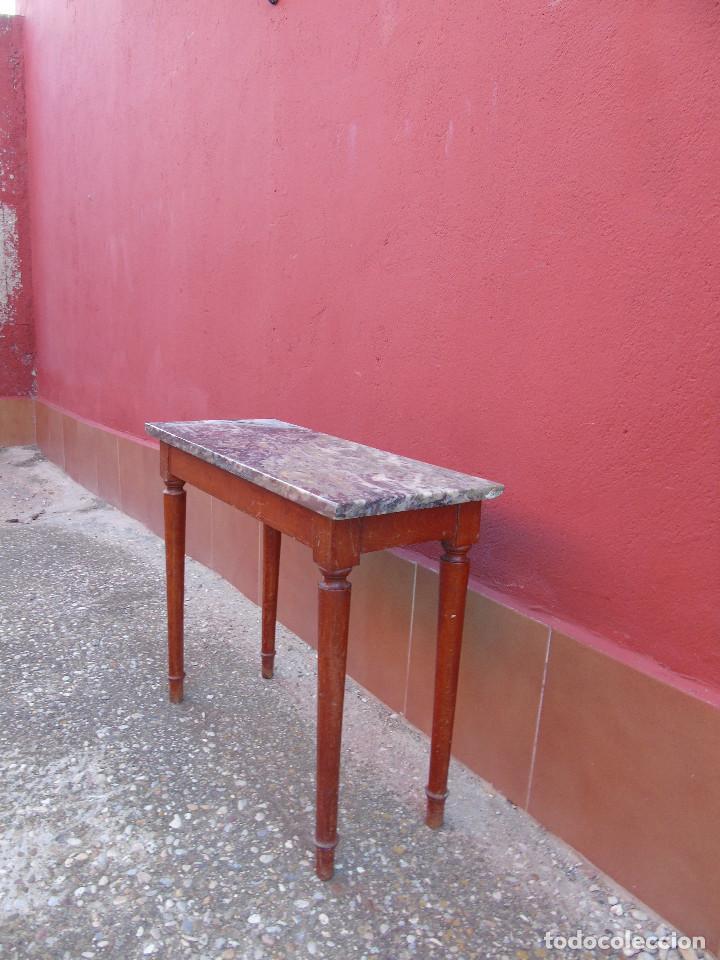 Antigüedades: PEQUEÑA MESA AUXILIAR DE MADERA Y MARMOL. - Foto 7 - 104073567