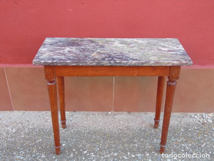 Antigüedades: PEQUEÑA MESA AUXILIAR DE MADERA Y MARMOL. - Foto 9 - 104073567