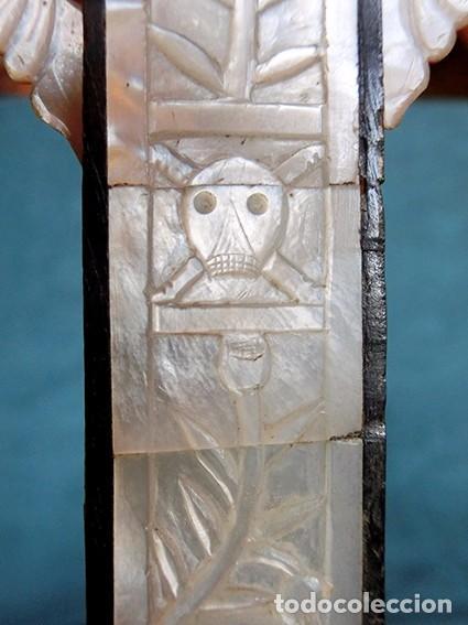 Antigüedades: PRECIOSO CRUCIFIJO ANTIGUO - NÁCAR Y MADERA - STA. MARÍA MAGDALENA - CRUZ RELIGIOSA - CRISTO - Foto 10 - 104080215