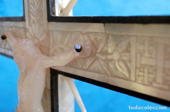 Antigüedades: PRECIOSO CRUCIFIJO ANTIGUO - NÁCAR Y MADERA - STA. MARÍA MAGDALENA - CRUZ RELIGIOSA - CRISTO - Foto 18 - 104080215