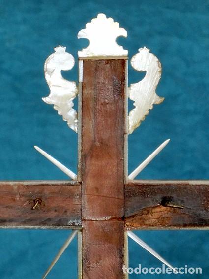 Antigüedades: PRECIOSO CRUCIFIJO ANTIGUO - NÁCAR Y MADERA - STA. MARÍA MAGDALENA - CRUZ RELIGIOSA - CRISTO - Foto 22 - 104080215