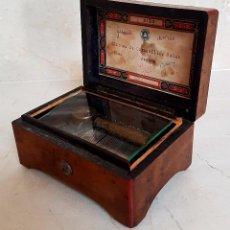 Antigüedades: PRECIOSA CAJA DE MADERA DE MUSICA A CUERDA,S. XIX. Lote 104098911