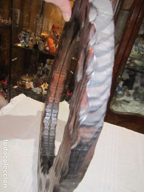 Antigüedades: Espejo con marco de madera rústico. Marco: 34 x 28 cms. Espejo: 19,5 x 26,5 cms. - Foto 5 - 104148919