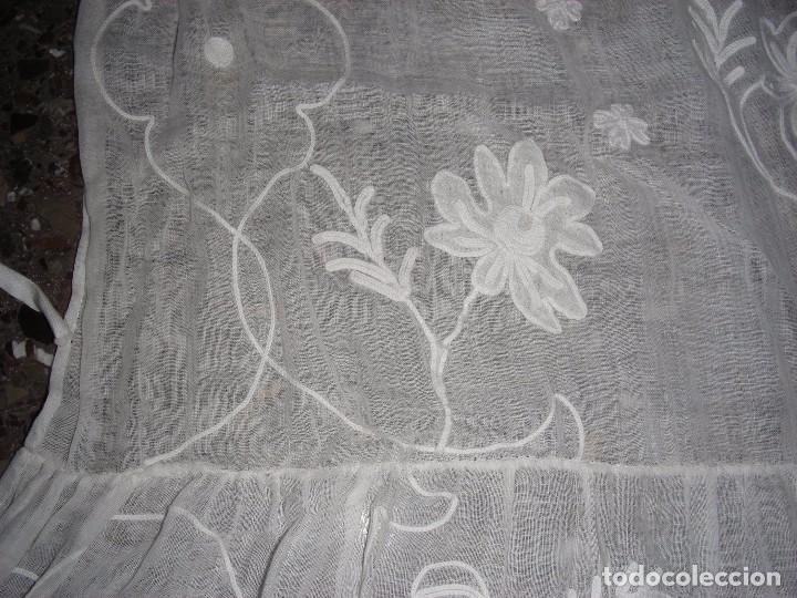 Antigüedades: ANTIGUO DELANTAL INDUMENTARIA BORDADO CADENETA - Foto 3 - 127266210