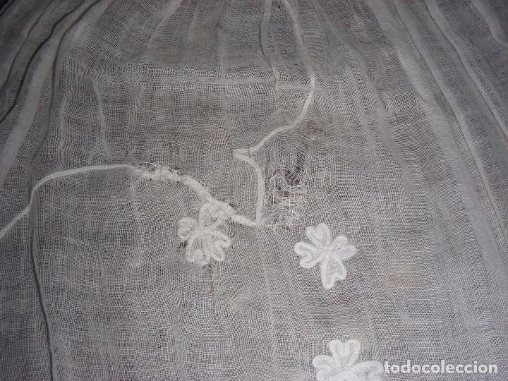 Antigüedades: ANTIGUO DELANTAL INDUMENTARIA BORDADO CADENETA - Foto 4 - 127266210
