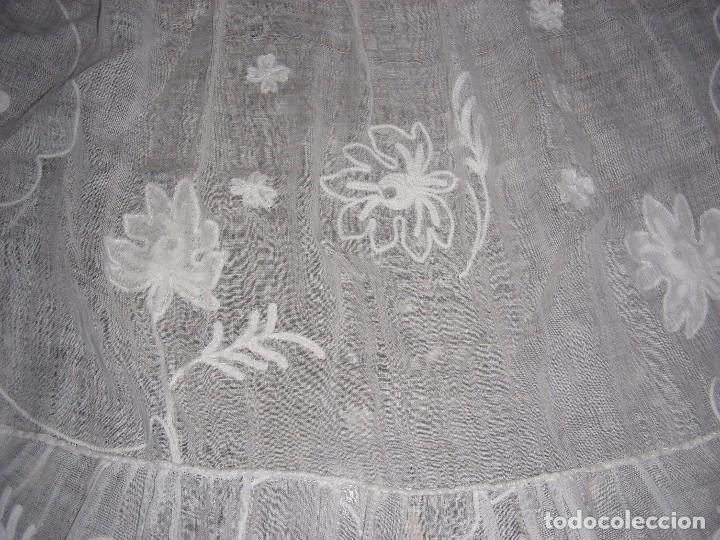 Antigüedades: ANTIGUO DELANTAL INDUMENTARIA BORDADO CADENETA - Foto 5 - 127266210