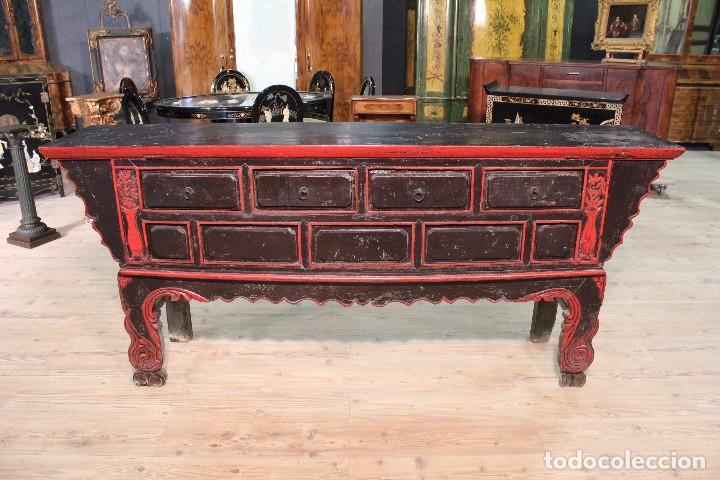 ANTIGUA CONSOLA ORIENTAL LACADA DEL SIGLO XIX (Antigüedades - Muebles Antiguos - Consolas Antiguas)