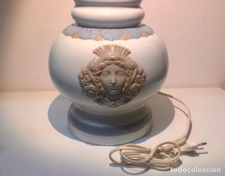 Antigüedades: Lladró, lámpara alfil decorado Olimpio. - Foto 2 - 104270191