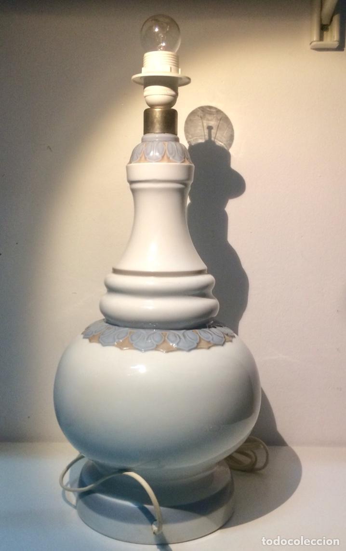 Antigüedades: Lladró, lámpara alfil decorado Olimpio. - Foto 8 - 104270191