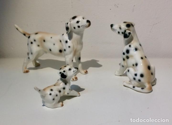 Antigüedades: Familia de tres figuras o perros Dálmatas en porcelana, años 70. - Foto 2 - 104280968
