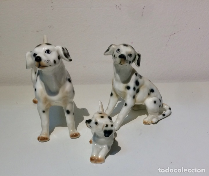 Antigüedades: Familia de tres figuras o perros Dálmatas en porcelana, años 70. - Foto 3 - 104280968
