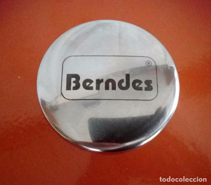 Antigüedades: BERNDES - OLLA DE HIERRO FUNDIDO - ESMALTE DE PORCELANA - 24 cm. / 4.0 L. NUEVA - Foto 9 - 104282711