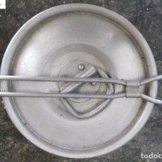 Antigüedades - Antigua fiambrera de aluminio Hispano suiza - 104285111