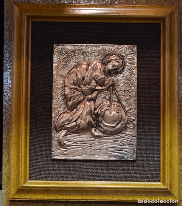 BAJORELIEVE BRONCECOBRE(APOSTOL CON COMPAS) 27*31(85€) (Antigüedades - Religiosas - Varios)