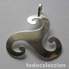 Antigüedades: 57 - ANTIGUA MEDALLA DE COLECCION TEMA CELTA GALLEGO DE PLATA DE LEY MODELO Nº 21. Lote 104398435