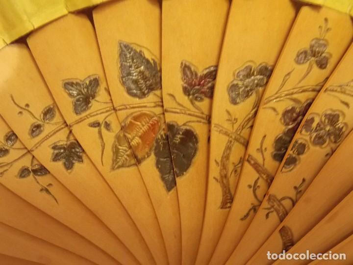 Antigüedades: Antiguo abanico seda y madera circa 1960 - Foto 3 - 104424263