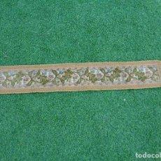 Antigüedades: ANTIGUO CAMINO DE MESA AÑOS 50.TAPIZ, PASAMANERIA MIDE 96*16 CM. Lote 104455811
