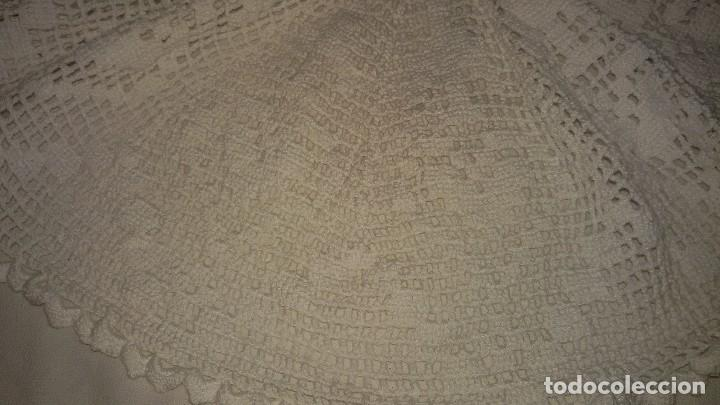 Antigüedades: Tapete de ganchillo para poner en la tulipa de la lampara. - Foto 3 - 104466615