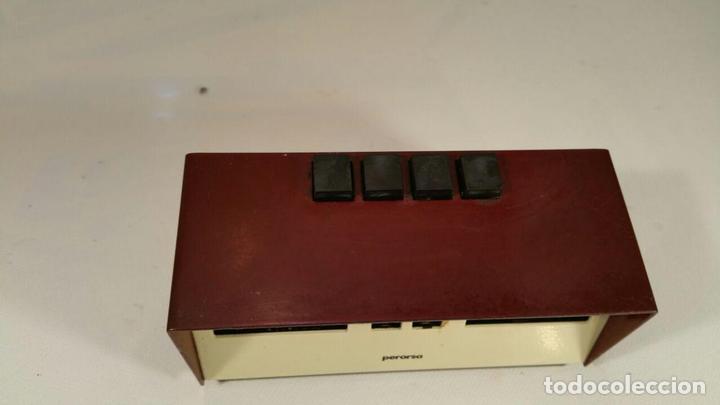 Antigüedades: Calendario Maor, años 70 - pulsadores manuales - Calendario perpetuo. modelo Perorsa - color granate - Foto 2 - 104469327