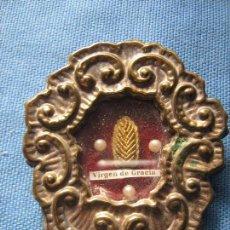 Antigüedades: RELICARIO CON MAGNIFICA RELIQUIA DE LA VIRGEN DE GRACIA - 7.5X6.5 CM - CREO QUE DE CARMONA - SEVILLA. Lote 104622867