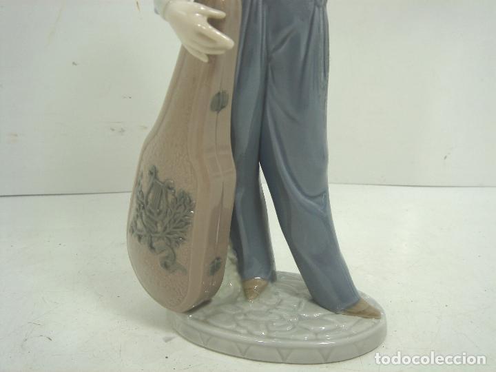 Antigüedades: FIGURA PORCELANA - LLADRO -MUSICO CON SU RADIO REF:5810- AÑO 1991 1994 - INCLINACION MUSICAL - Foto 3 - 104640527