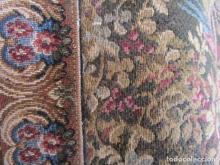 Antigüedades: antiguo tapiz con barra para colgar 1,54 m x 1,05 m - Foto 8 - 104682055