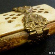 Antigüedades: CAJA DE HUESO TALLADO, MEDIADOS S XX. Lote 104694619