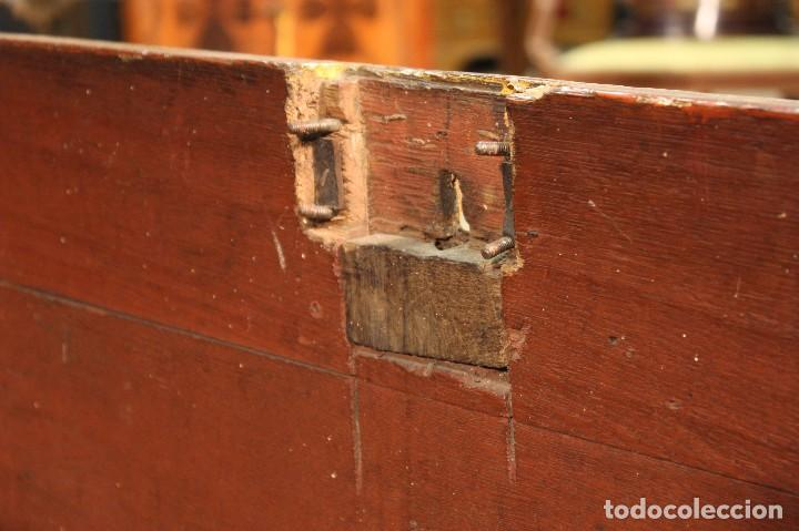 Antigüedades: Antiguo baúl lacado del siglo XIX - Foto 7 - 104696395