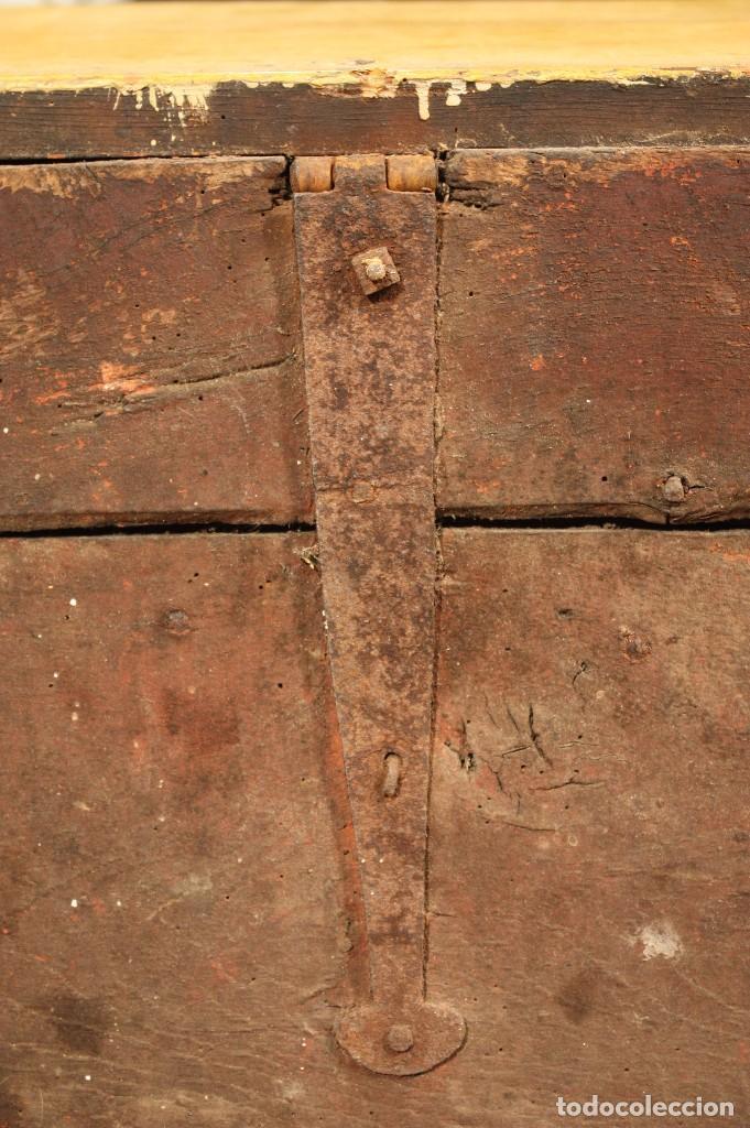 Antigüedades: Antiguo baúl lacado del siglo XIX - Foto 9 - 104696395
