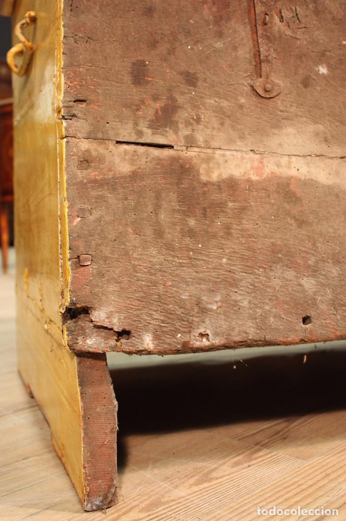 Antigüedades: Antiguo baúl lacado del siglo XIX - Foto 10 - 104696395