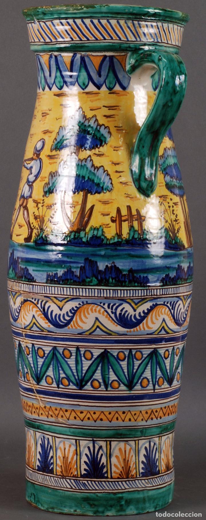 Antigüedades: Jarra jarron cerámica Triana tema cacería montería finales del siglo XIX - Foto 2 - 104696799