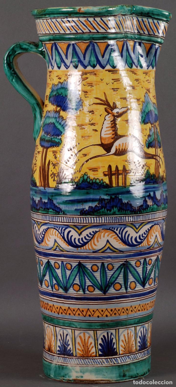 Antigüedades: Jarra jarron cerámica Triana tema cacería montería finales del siglo XIX - Foto 3 - 104696799