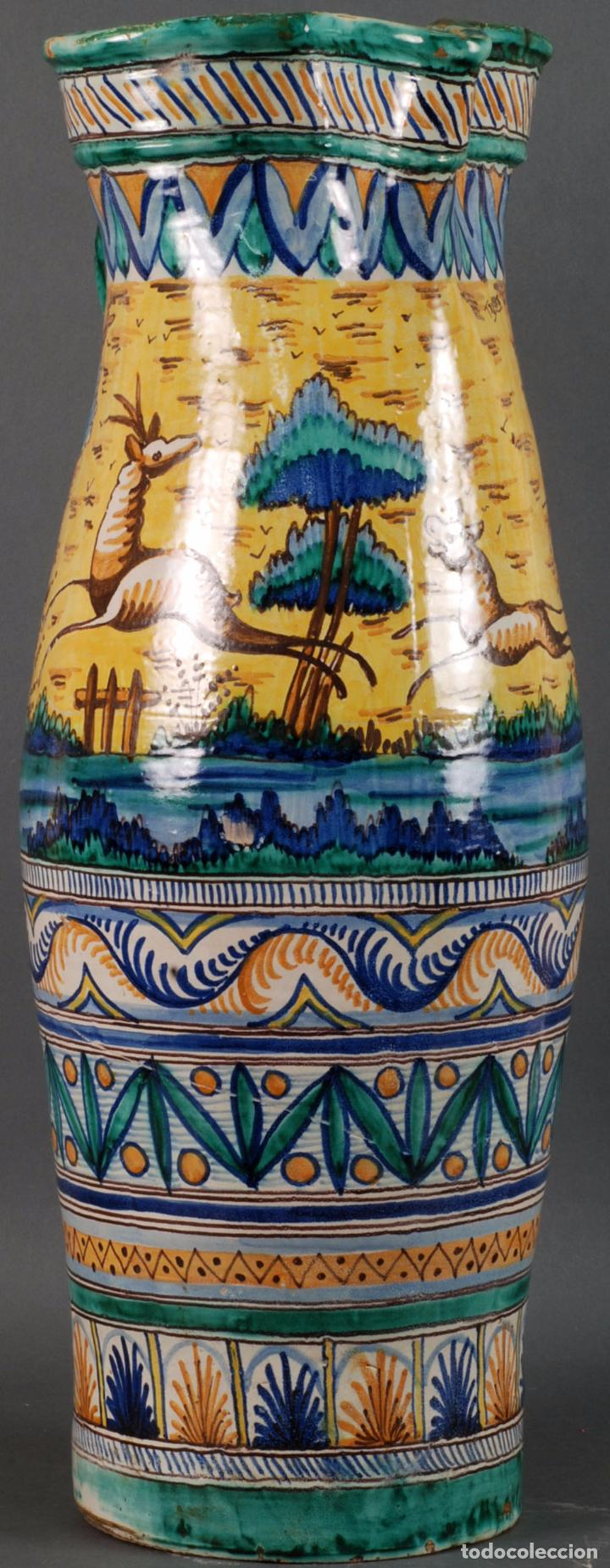 Antigüedades: Jarra jarron cerámica Triana tema cacería montería finales del siglo XIX - Foto 4 - 104696799
