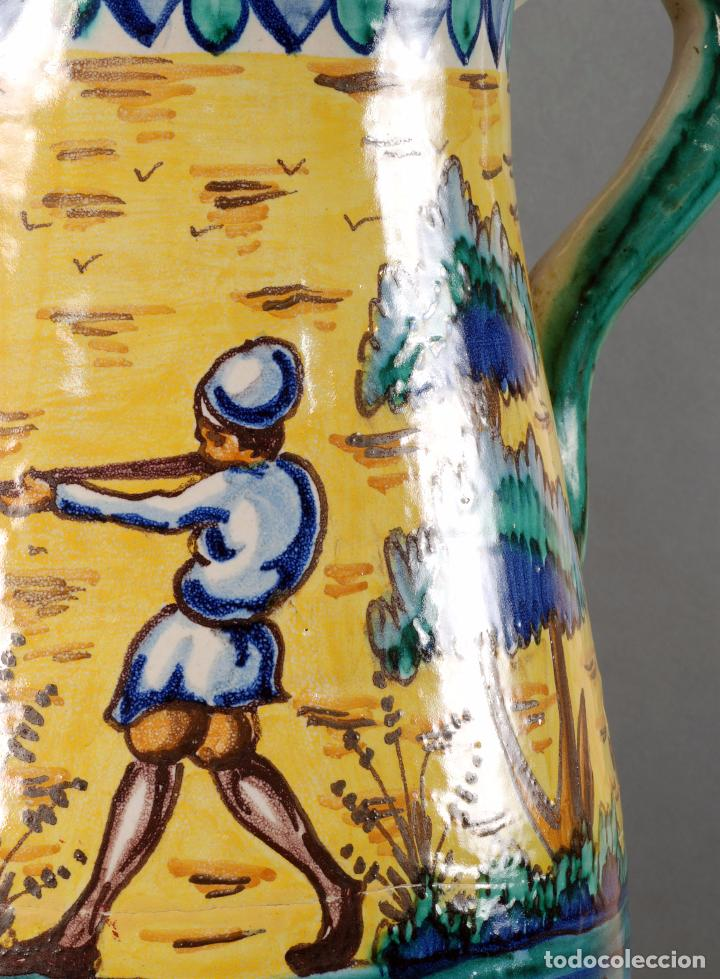 Antigüedades: Jarra jarron cerámica Triana tema cacería montería finales del siglo XIX - Foto 5 - 104696799