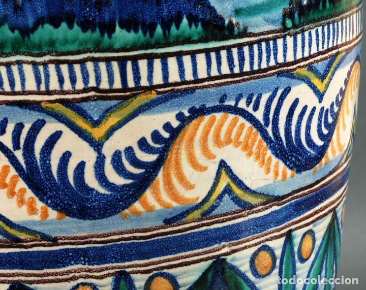 Antigüedades: Jarra jarron cerámica Triana tema cacería montería finales del siglo XIX - Foto 9 - 104696799