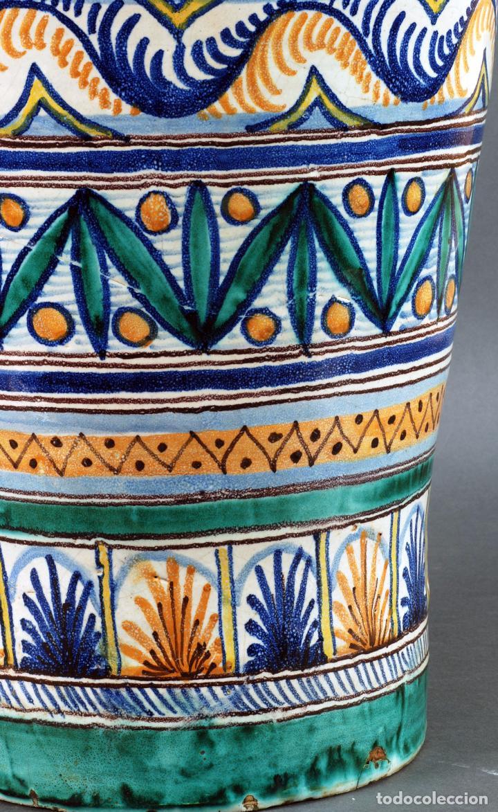 Antigüedades: Jarra jarron cerámica Triana tema cacería montería finales del siglo XIX - Foto 10 - 104696799