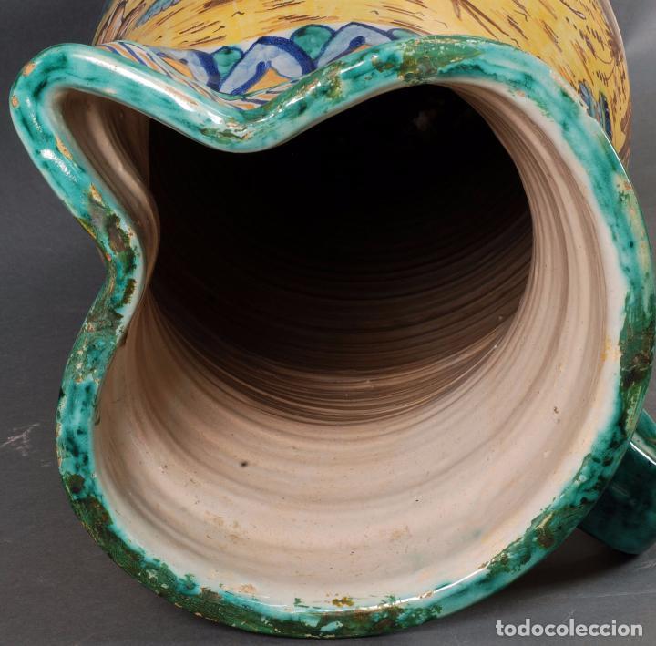 Antigüedades: Jarra jarron cerámica Triana tema cacería montería finales del siglo XIX - Foto 12 - 104696799